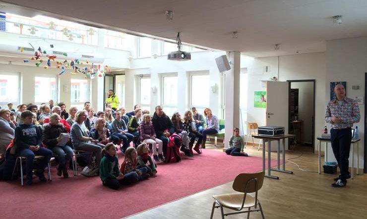 Jozua Douglas Schrijversbezoek Frankfurt International School